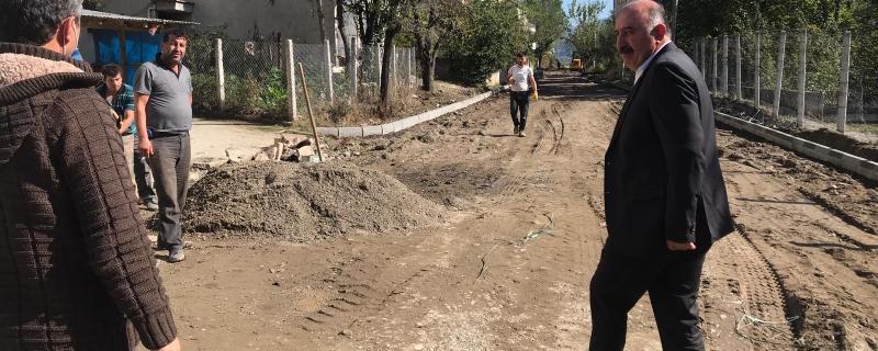 Başkan Reis Sokak parke çalışmalarını inceledi